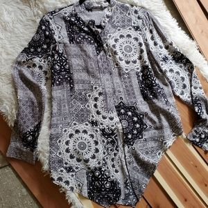 Zara Basic Long Sleeve Asymmetrical Shirt